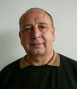 Wolfgang Schirmer Vorarbeiter in der WWk-arena und für Glas-Bau-Sonderreinigung