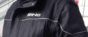 RiNo Schriftzug Outfit